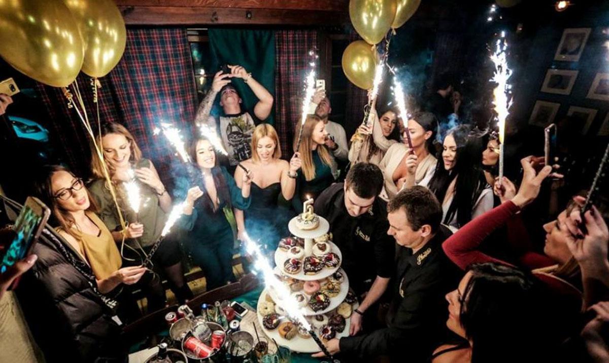 Najpoznatija beogradska kafana Stara Pesma obeležila je pet godina postojanja žurkom za pamćenje!