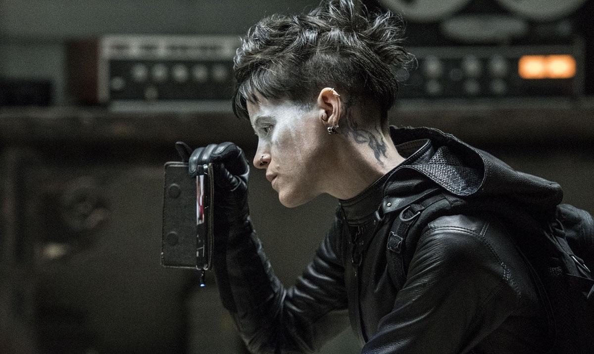 """Lizbet Salander u filmu""""Ono što nas ne ubije""""uzvraća udarac muškarcima koji povređuju žene"""