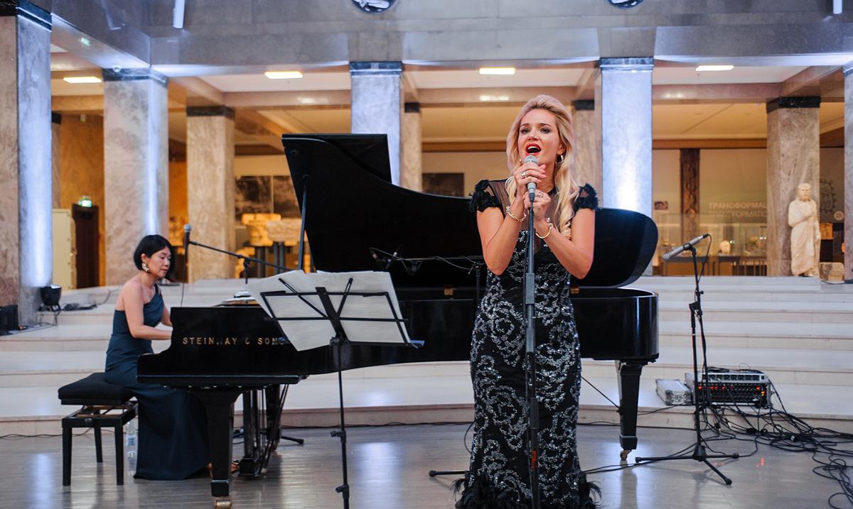 U Narodnom muzeju održan je koncert pred rasprodatom salom njujorškog dua YAGULL i Lene Kovačević