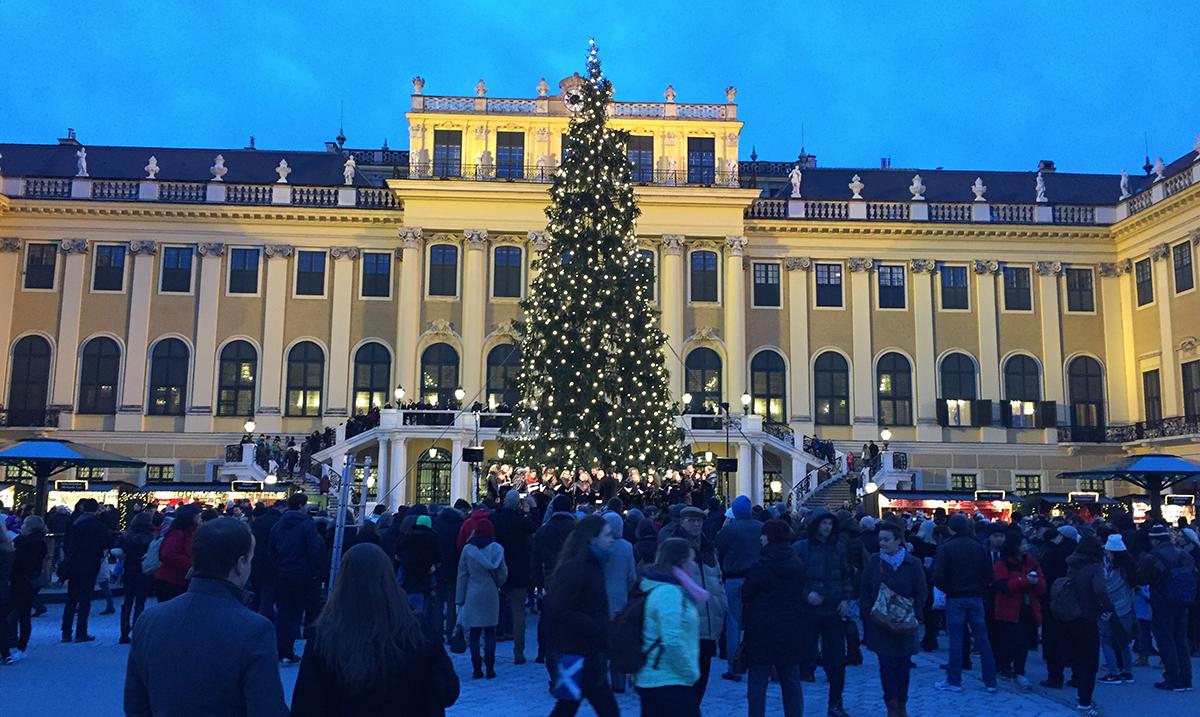 U Beču predbožićna atmosfera na 20 bazara