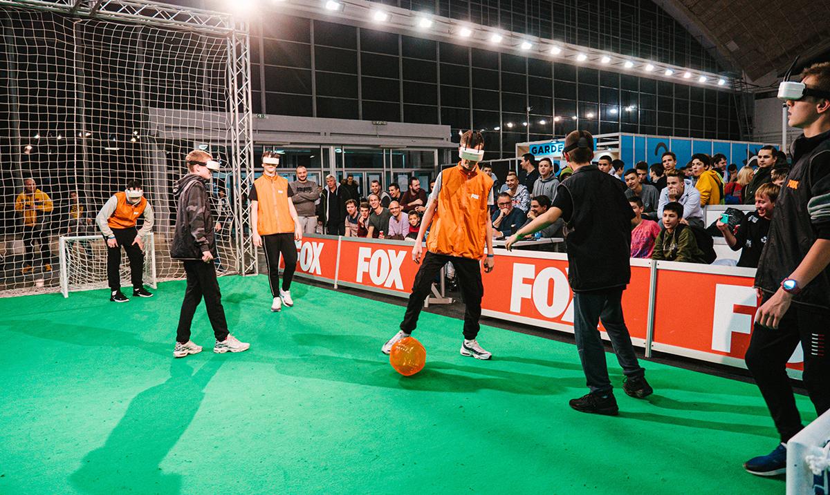 Zombi fudbal na festivalu video-igara i pop kulture Games.CON