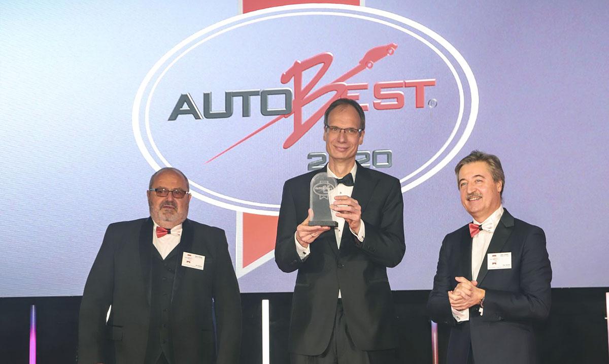 AUTOBEST nagrada dodeljena Novoj Opel Corsi i Opelovom generalnom direktoru Lohschelleru