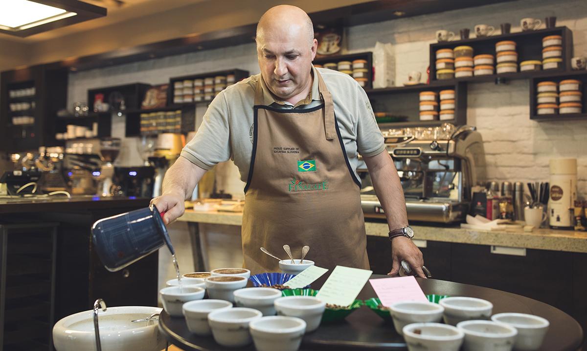 Ilija deli sa nama optimizam sakriven u šoljici kafe