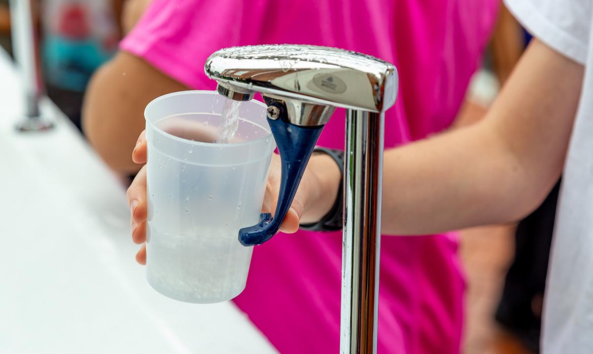 Bečki projekat podstiče decu da piju vodu u školi