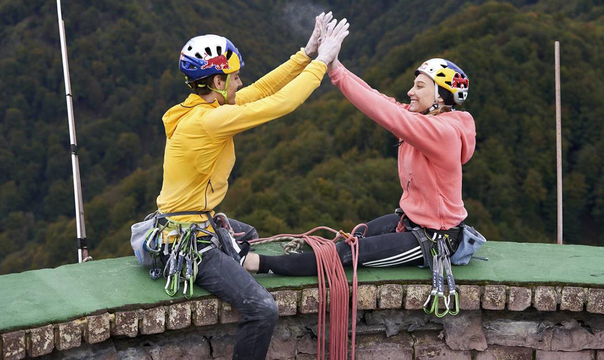 Slovenački dvojac osvojio najviši dimnjak u Evropi koji dostiže čak 360 metara visine!